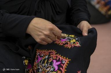 رشتی دوزی یکی از رو دوزی های سنتی ایران و از صنایع دستی رشت است  که در فهرست آثار ملی ایران و میراث فرهنگی ناملموس به ثبت رسیده است