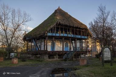 خانه ی سنتی که در جوار بوستان ملت واقع شده است و مرکز اطلاع رسانی گردشگری رشت محسوب میشود