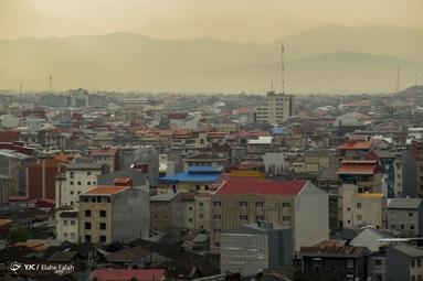 رشت  شهر باران های نقره ای و ساختمان هایی با سقف های شیروانی