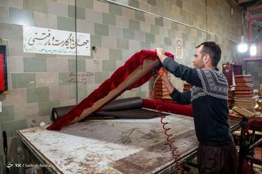 زندانیان در حال تولید و کارآفرینی در بنیاد تعاون زندان اصفهان