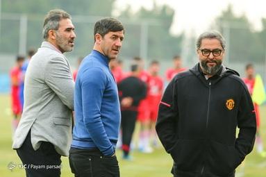 مهرداد میناوند پیشکسوت تیم ملی فوتبال ایران و باشگاه پرسپولیس که به بیماری کرونا مبتلا شده بود، دقایقی پیش درگذشت.